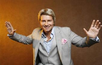 Николай Басков теперь рекламирует презервативы