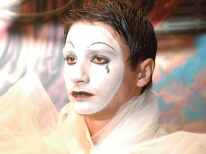 Театральная жизнь певца Сергея Лазарева