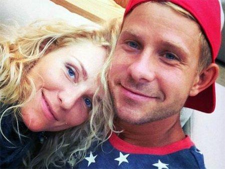 Катя Гордон и Митя Фомин стали мужем и женой по законам Республики Палау