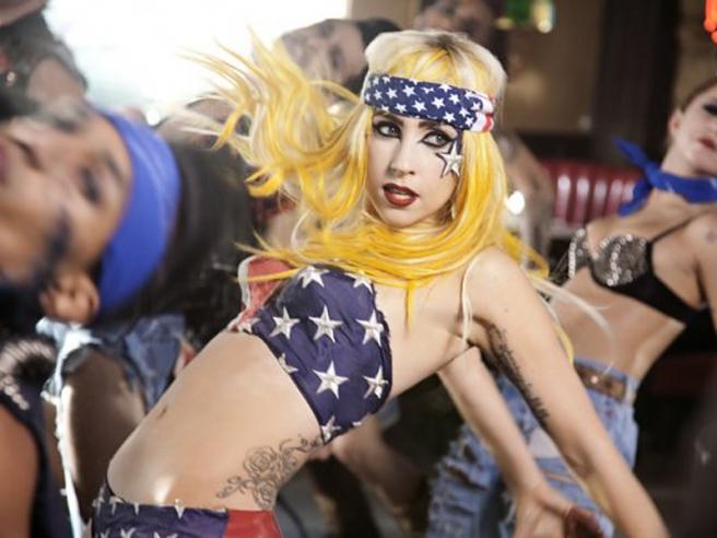 Леди Гага готовится к гастролям за пределами Земли