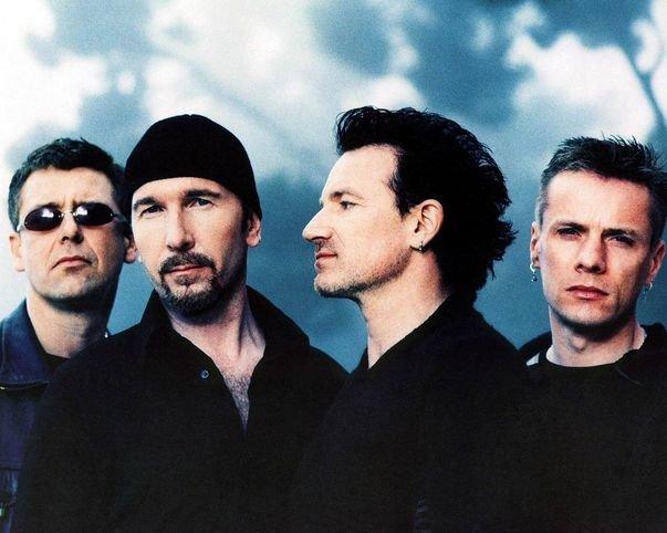 За саундтрек к фильму о Нельсоне Манделе группа U2 получила премию Sonny Bono Visionary Award