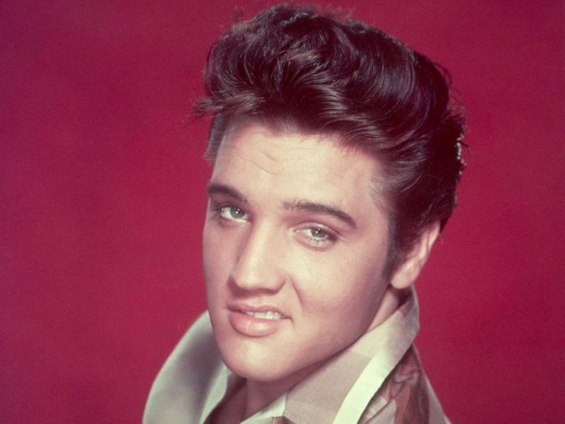 Версию о причинах смерти Элвиса Пресли опубликовали британские ученые